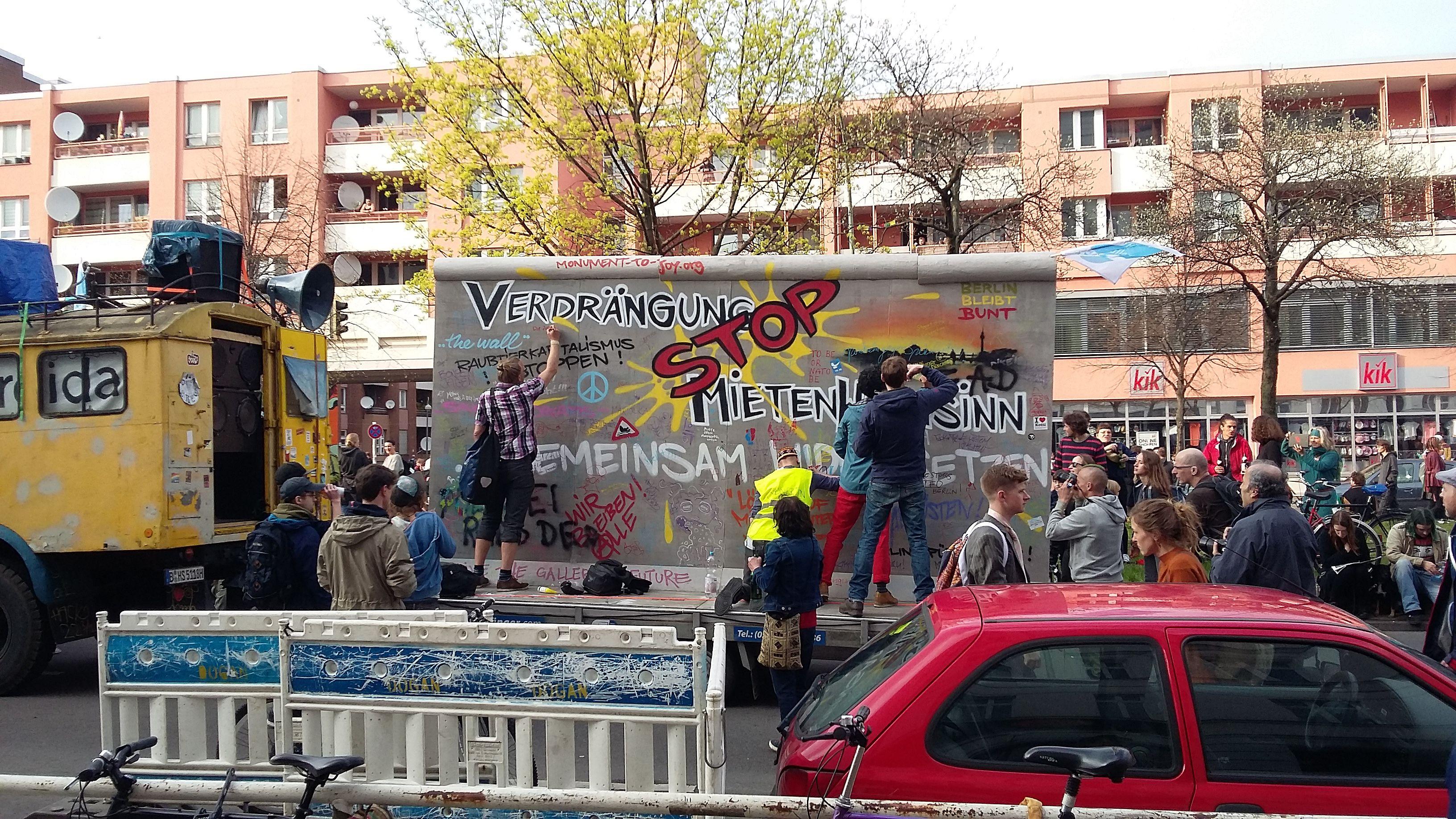 Für eine solidarische Stadt - Berlinweite Demonstration für ...